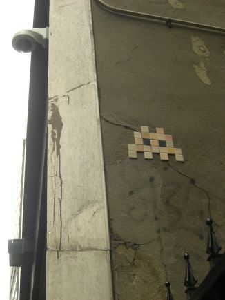 Space invader in NYC. © Lina Bibaric