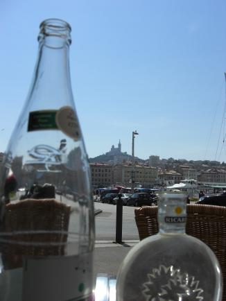 Petit déjeuner, Marseille. © Lina Bibaric