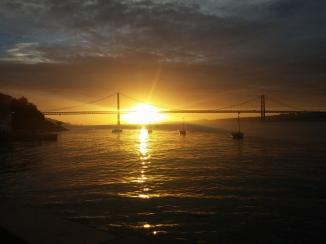 Sunset tejo, Ponte 25 de Abril, Lissabon © Lina Bibaric